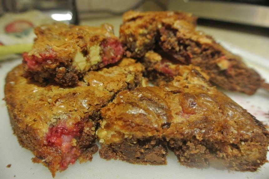 Raspberry Marble Brownies (31)
